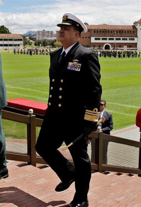 Muere Leonardo Santamaría, comandante de la Armada de ...