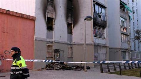 Muere una niña de siete años en un incendio en Cornellà de ...