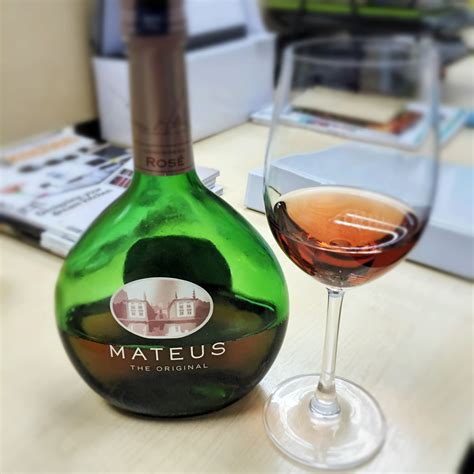 Mummy s Food and Drinks: Mateus Rose Wine   A  Pink  That ...