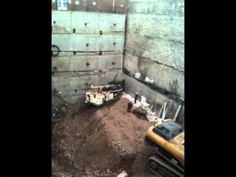 Muro Anclado, ejecutado por bataches, para sótano   YouTube