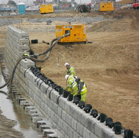 Muro de contención de hormigón   REDI ROCK   CPM Group ...