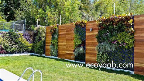 MURO VEGETAL Y ENTRAMADO DE MADERA | Jardines verticales ...