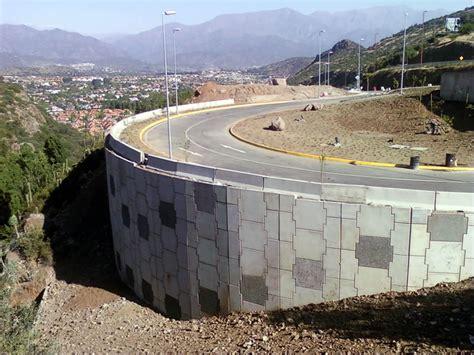 Muros de Contención: Muros de tierra armada y suelo reforzado