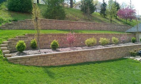 Muros de contencion para jardines aterrazados   46 diseños ...