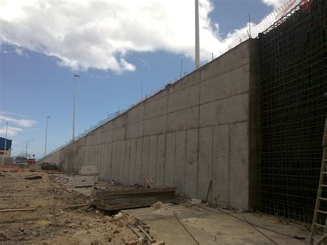 Muros de contención – INELSA Empresa de Construcción en ...