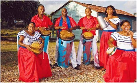 Música folclórica dominicana: historia, y todo lo que ...