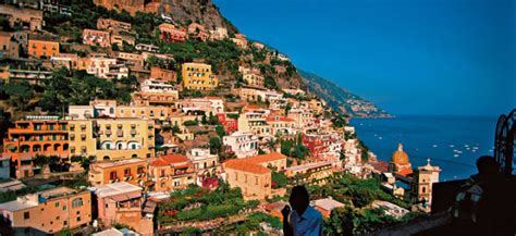 Napoli, Italia | TalesAlongTheWay