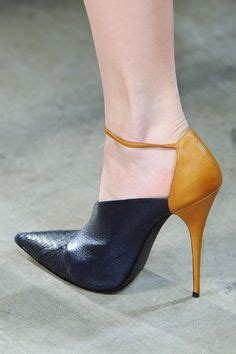 Narciso Rodriguez Fall 2013 RTW Fashion Show in 2019 ...