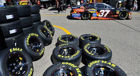 NASCAR.com live at 4 p.m. ET from Michigan | NASCAR.com