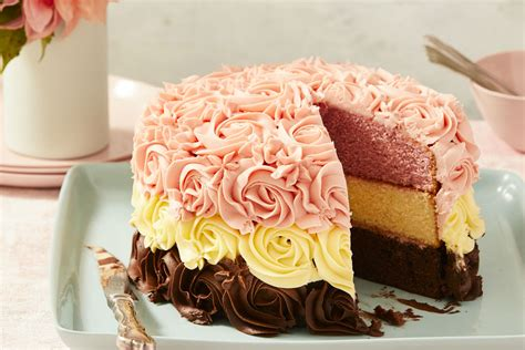 Neapolitan Cake with Frosting Rosettes Recipe   New Idea Food