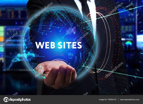 Negocios, tecnología, Internet y red de concepto. L joven ...
