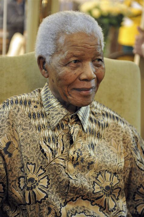 Nelson Mandela Back in Hospital with Lung Infection [VIDEO]