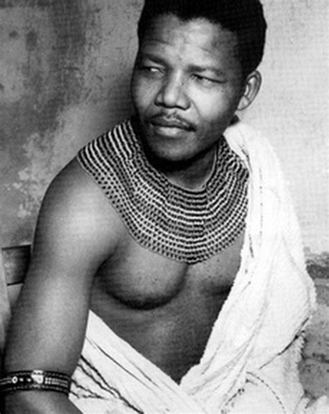 Nelson Mandela   Biography, Facts, Childhood to Death   In ...