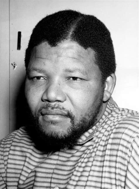 Nelson Mandela Biography: Prisoner and President Dead at ...