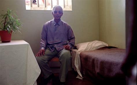 Nelson Mandela prison letters reveal pain of separation ...