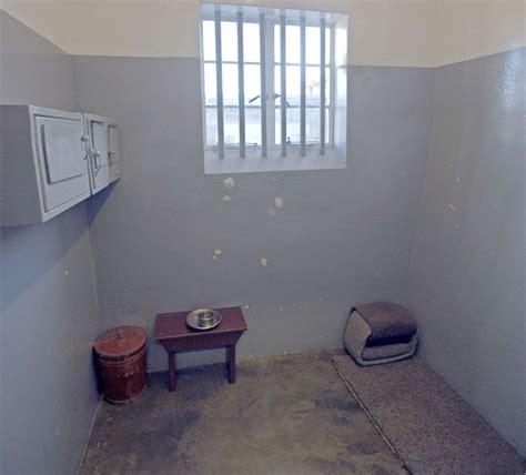 Nelson Mandela s prison letters reveal his heartache ...
