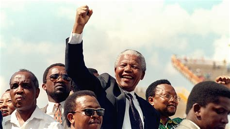 Nelson Mandela, the life and biography of the great leader ...