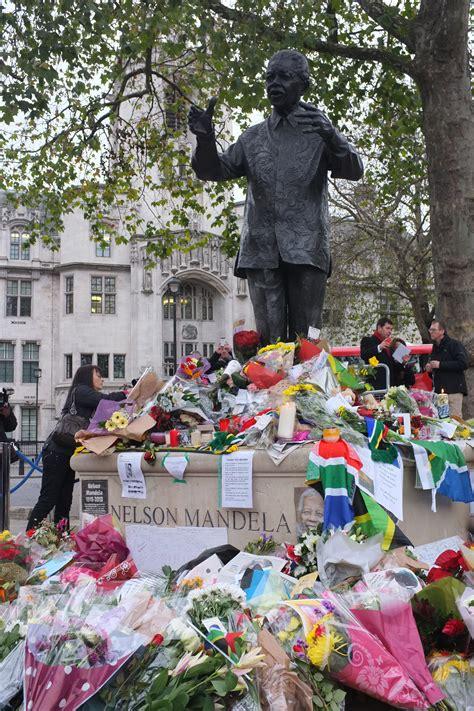 Nelson Mandela | Wiki & Bio | Everipedia