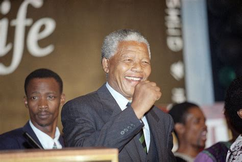 Nelson Mandela wins South Africa's first multiracial ...