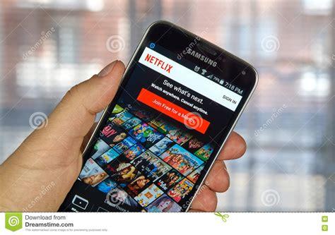 Netflix App Sul Telefono Cellulare Di Androide Fotografia ...