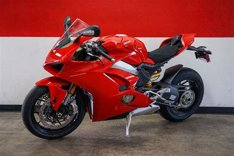 New 2019 Ducati Panigale V4 Motorcycles in Brea, CA