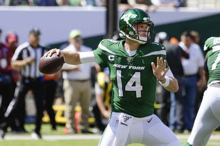 New York Jets QB Sam Darnold could be out weeks with mono ...