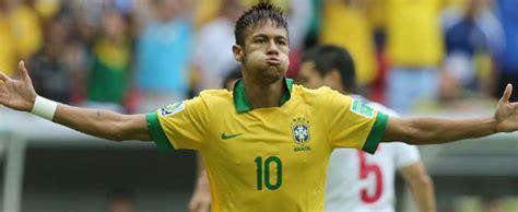 Neymar tem mais gols que Cristiano Ronaldo. É só tirar os ...