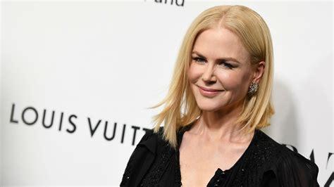 Nicole Kidman luce irreconocible con el cabello canoso y ...