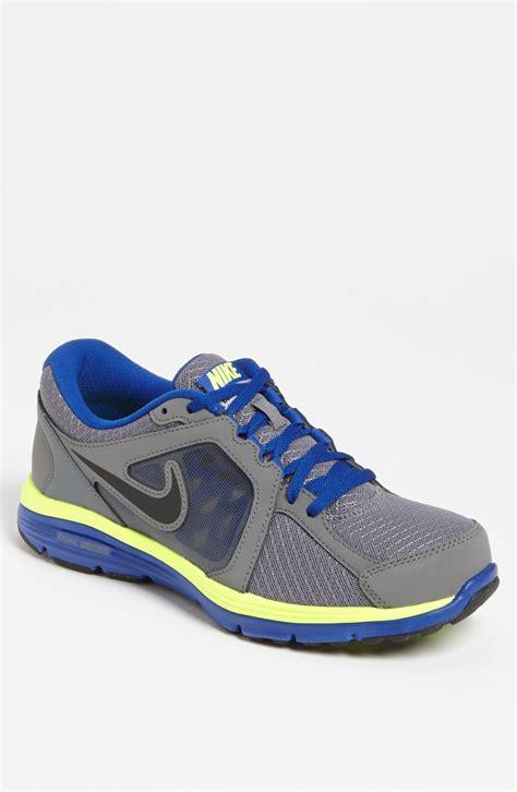 Nike Dual Fusion Run Running Shoe Men in Gray for Men ...