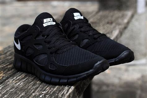 Nike Free Run 2 NSW – Black/White | SneakerFiles