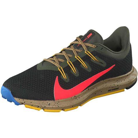 Nike Performance   Quest 2 SE Running   schwarz ...