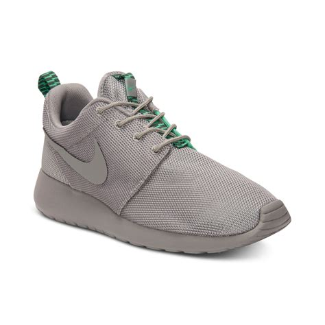 Nike Roshe Run Casual Sneakers in Gray for Men | Lyst