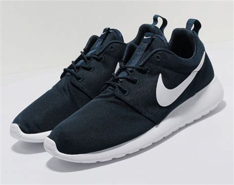 Nike Roshe Run   Navy/White   Freshness Mag