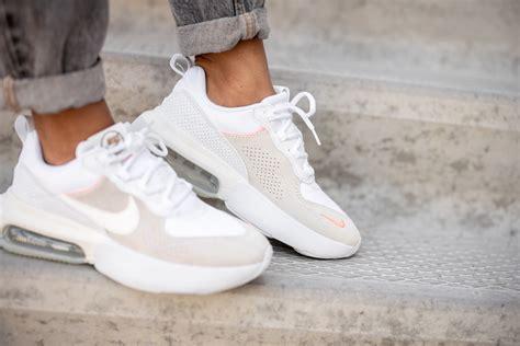 Nike Women s Air Max Verona White/Sail Atomic Pink Stone ...