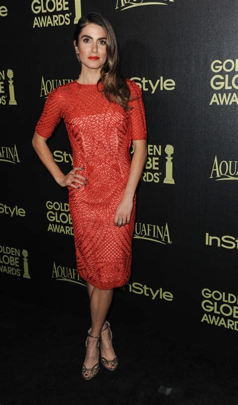 Nikki Red, estupenda de rojo