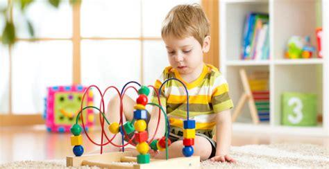 Niñez: características, cambios de cada etapa, teorías