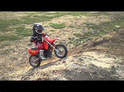 niño 5 años en moto   YouTube