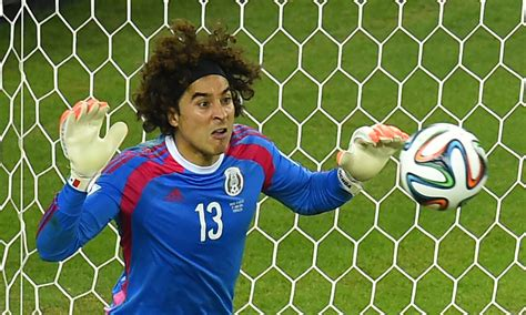 No, Mexican goalkeeper Guillermo Ochoa does not have six ...