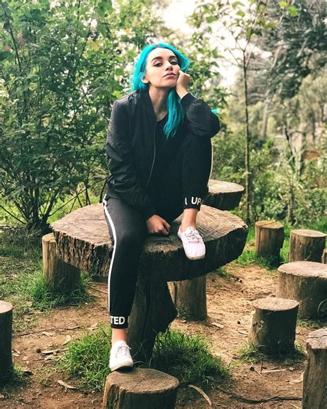 No olvides seguirme 3 Sofia Castro t Youtubers and