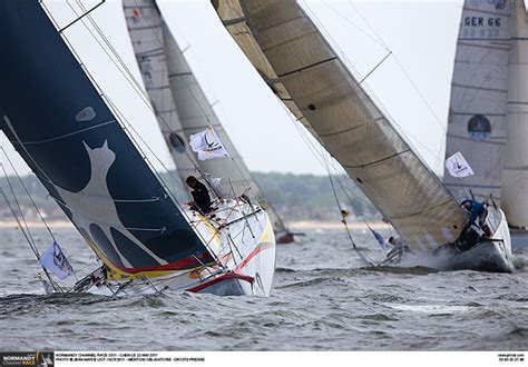 Normandy Channel Race : A straight downhill run to the ...