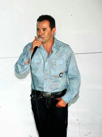 NOTICIAS Y EFEMERIDES MUSICALES Y DEL CINE: JHONNY RIVERA ...