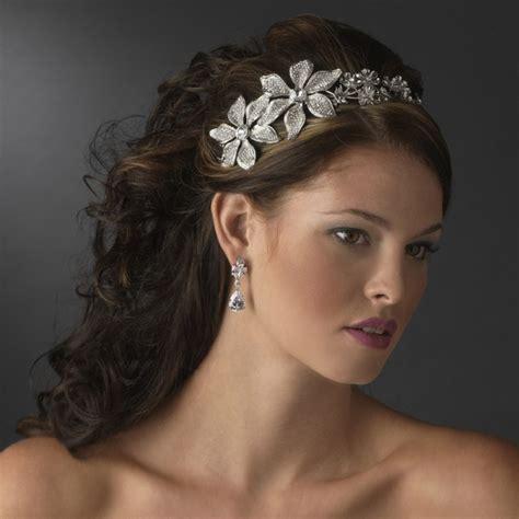 Novias 2012: Cambia tu tocado por una diadema de flores