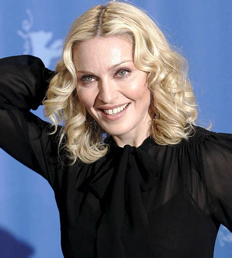 Now you see it, now you don t: Madonna goes from greying ...