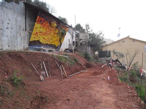 nuestra casa contenedor: Preparando el primer muro