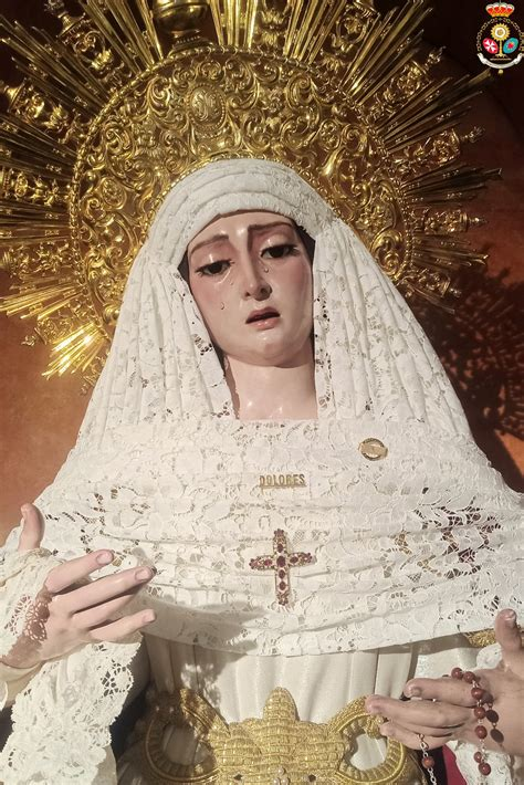 Nuestra Señora de los Dolores ataviada para el tiempo ...