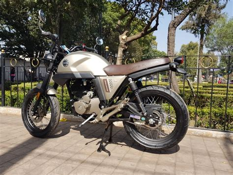 Nueva Moto Cafe Racer Vento Rocketman 250   $ 32,990 en ...