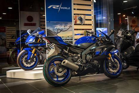 Nueva R6, directamente de los circuitos a Yamaha Flick ...