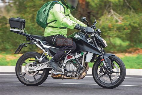 Nuevas KTM 125 y 390 Duke 2022: cambia todo, motor incluido