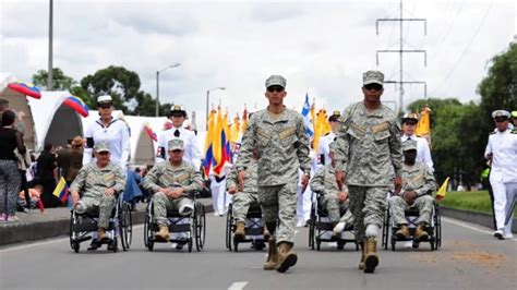 NUEVO UNIFORME ARMADA NACIONAL DE COLOMBIA   YouTube