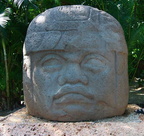 Olmec colossal heads   Wikipedia